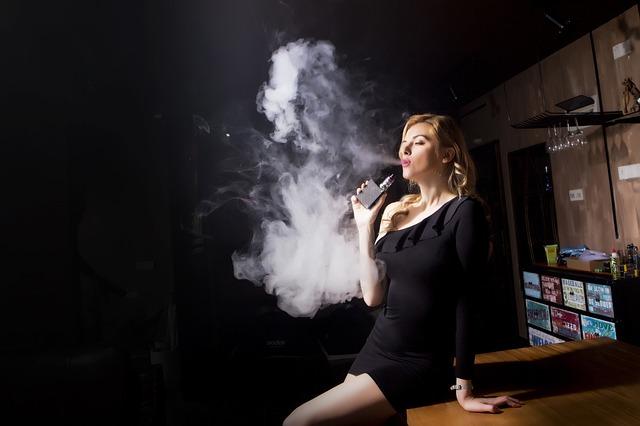 kouření ženy